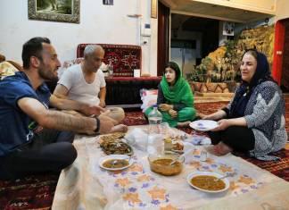 Tebriz'de evlerinde kaldığım aile ile bir akşam yemeği.
