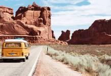 Ucuz bir tatil yapmak için seyahat planlamanızı çok önceden yapmaya özen göstermelisiniz. Tatil masraflarının en önemlileri olan uçak bileti ve otel rezervasyon işlemlerinizi mutlaka erkenden yapın.