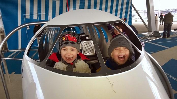 Çocuklu ailelerin uçuşlarda yapması gerekenler hakkında bilgiler.
