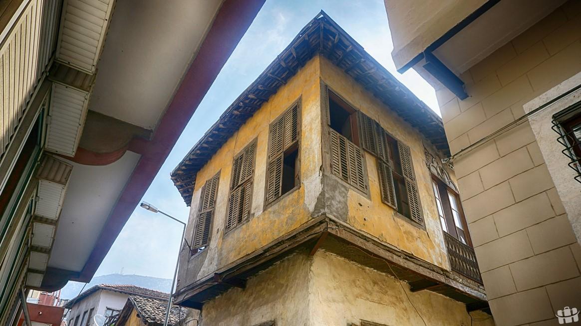 Eski Antakya evleri şehrin eski mimarisine yönelik güzel örnekler içeriyor.