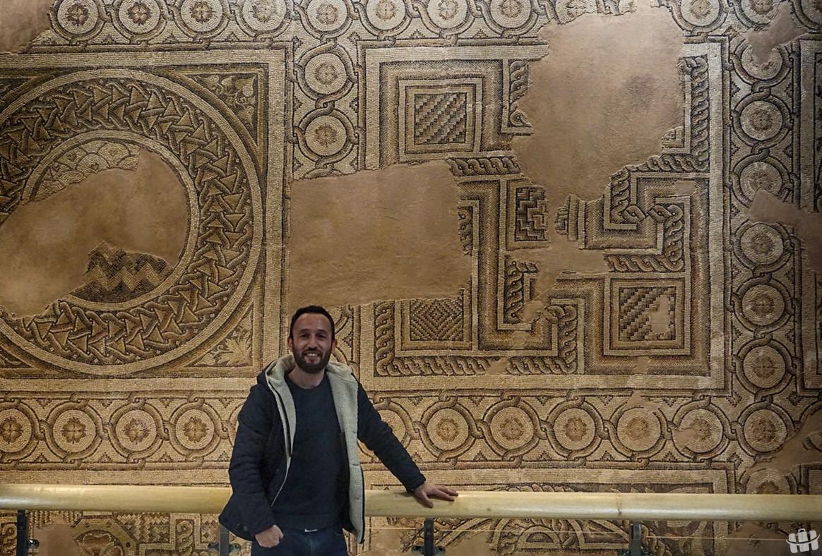 Hatay arkeoloji müzesinde göz alıcı pek çok mozaik eserler bulunmaktadır.