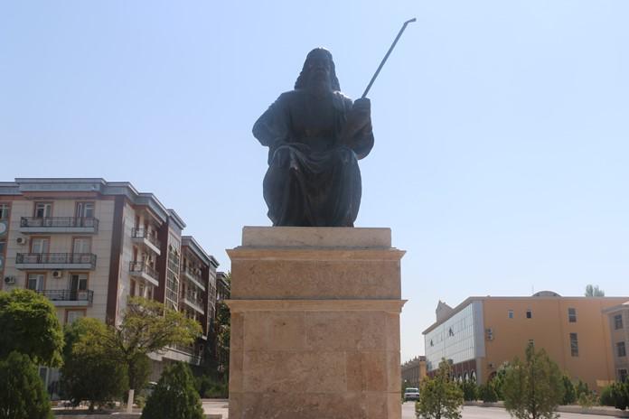 Dede Korkut Heykeli, Nahçıvan