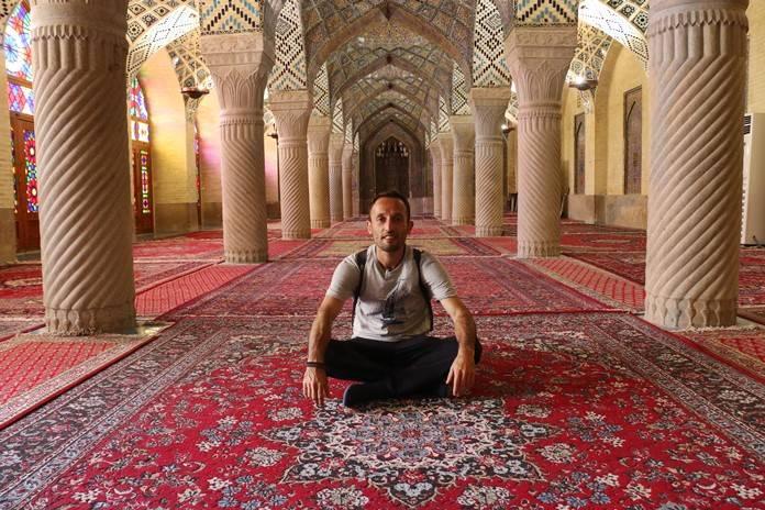 Şiraz Gezilecek Yerler: Nasır El-Mülk Camii, Şiraz