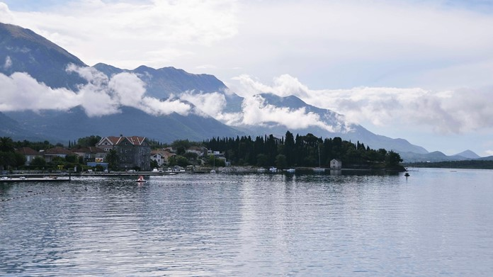Boka Koyu, Kotor