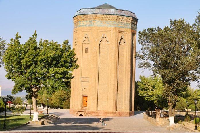 Zamanında küçük bir toprak parçasına sahip olan Nahçıvan şimdilerin Özerk Cumhuriyeti olan bir ülkedir.