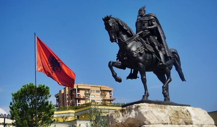 Tiran Gezi Rehberi