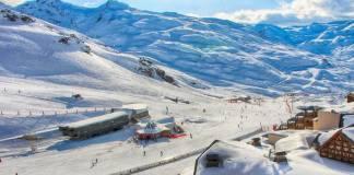 Kış sporları kapsamında Avrupa'nın en yüksek rakımlı ve en popüler kayak merkezi olan Val Thorens, profesyonel kayakçıların değişmez adresleri arasında yer alıyor.