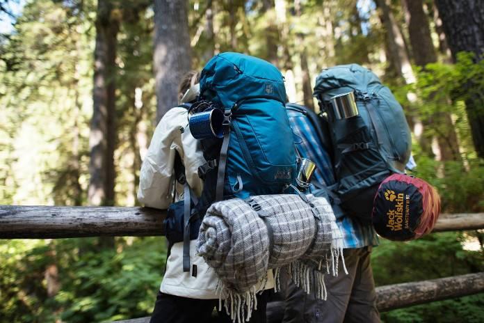 Sırt çantasında olması gereken bazı eşyalar vardır. Bu eşyaları yanınıza almanız seyahatlerinizi keyifli hale getirecektir.