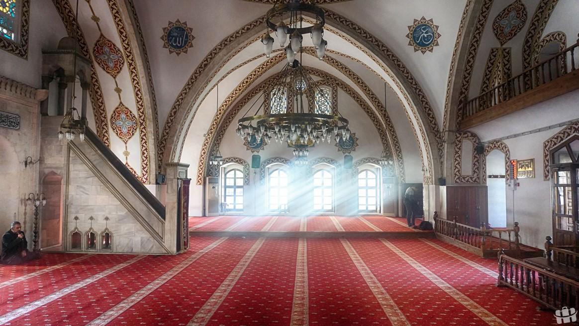Hatay'da bulunan Habib-i Neccar Camisi şehrin en eski ve turistik yapılarından biridir.