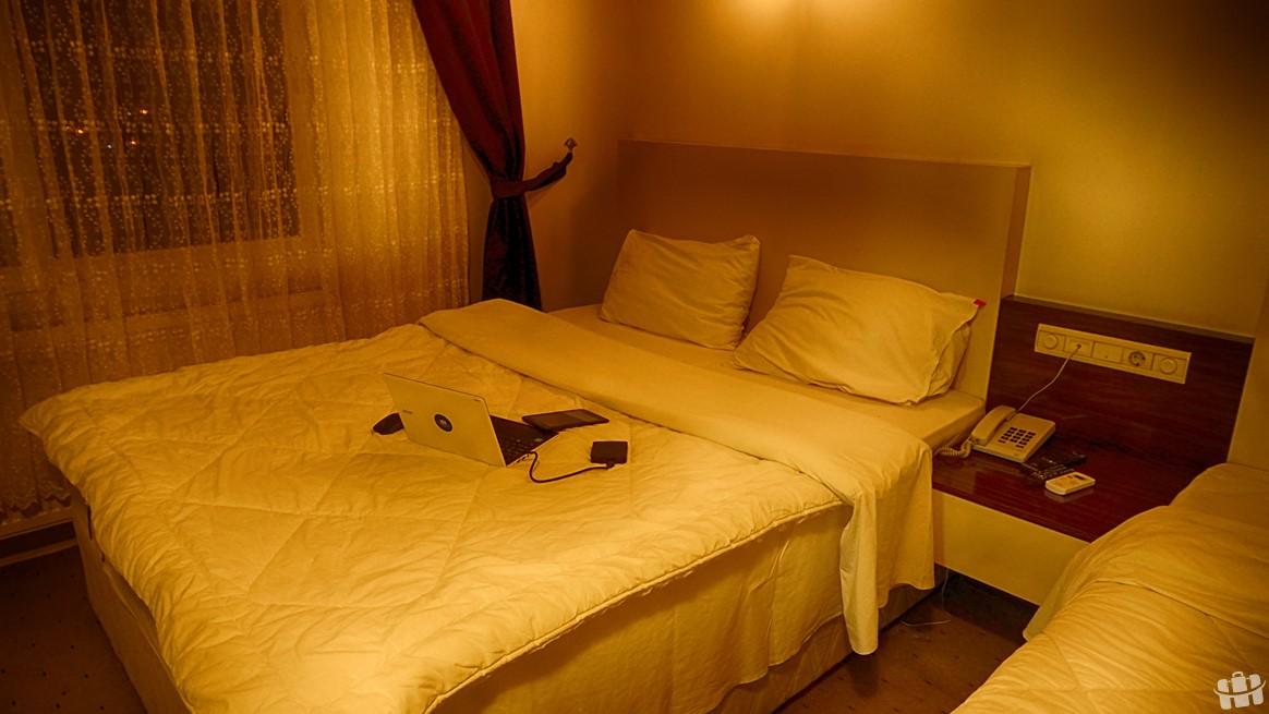 Hatay'ın Harbiye bölgesinde bulunan Sara otel odası.