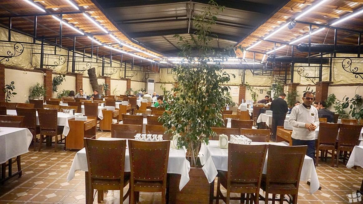 Hatay yemeklerini Anadolu restoranda yiyebilirsiniz.