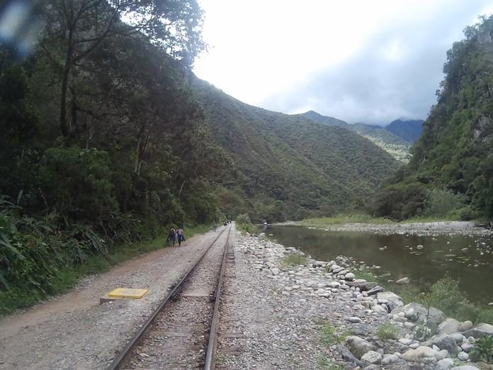 Tren İle Machu Picchu Ulaşımı Hakkında Bilgi.