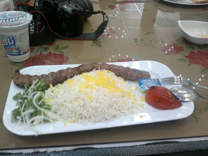 İran Yemeği: Çello Kebabı
