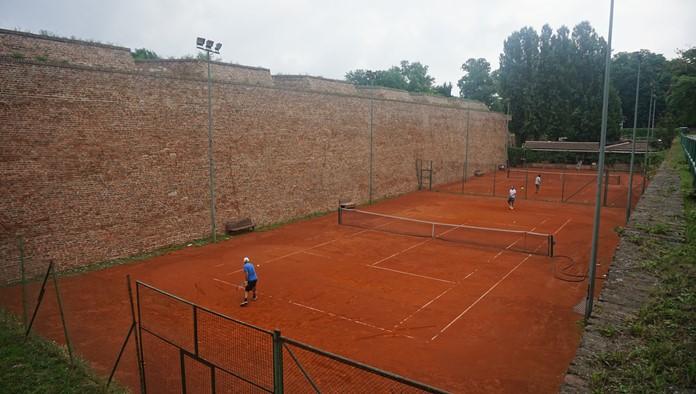 Tenis Kortu, Kalemeydan
