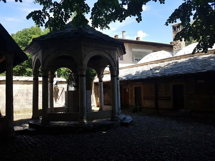 Karagöz Bey Cami Medresesi, Mostar