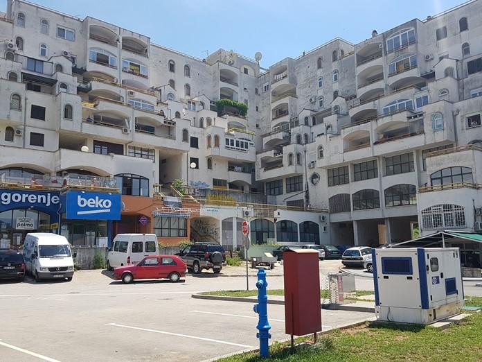 Mostar'da İlginç Mimarili Yapı