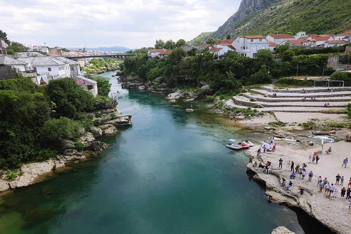 Mostar, küçük ama sevimli özellikleriyle kendine hayran bırakan bir Bosna Hersek şehri.