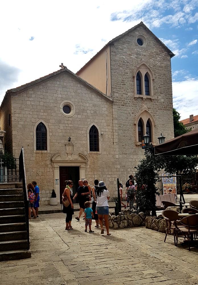 Budva Old Town Meydanı