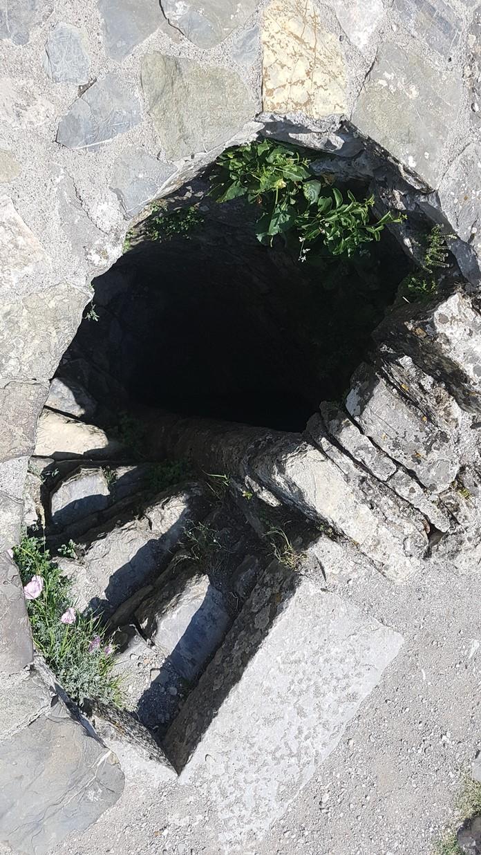 Rozafa Kalesi Yeraltı Geçişleri