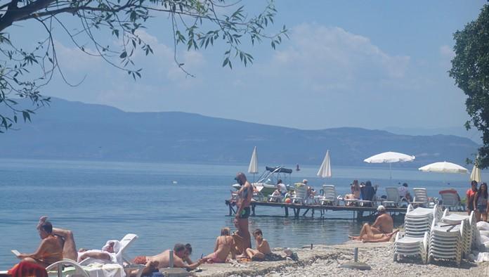 Ohri Gölü'nde Yüzenler