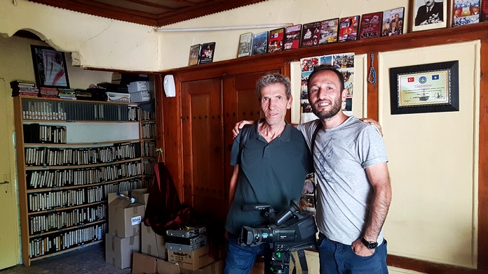 Nafis Lokvica ile stüdyosunda.