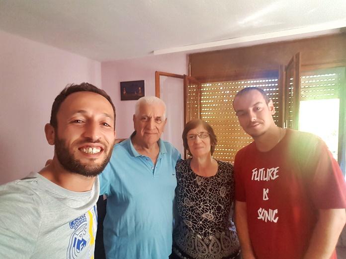 Prizren'de evlerinde kaldığım Deniz ve güzel ailesi.